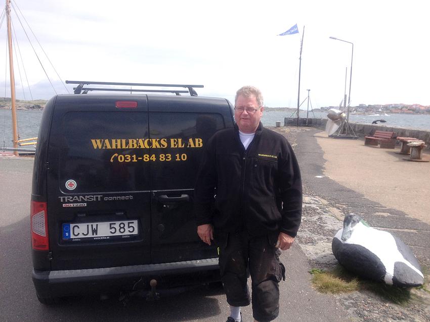 Peter Lilja på Wahlbäcks El ramlade och skadade sig i samband med ett jobb ute i Göteborgs skärgård. Efter ett års strid har han nu fått hela sjukskrivningen godkänd. Men han blev tvungen att anlita LO-TCO-jurister för att få ett positivt beslut från Afa. Foto: Privat