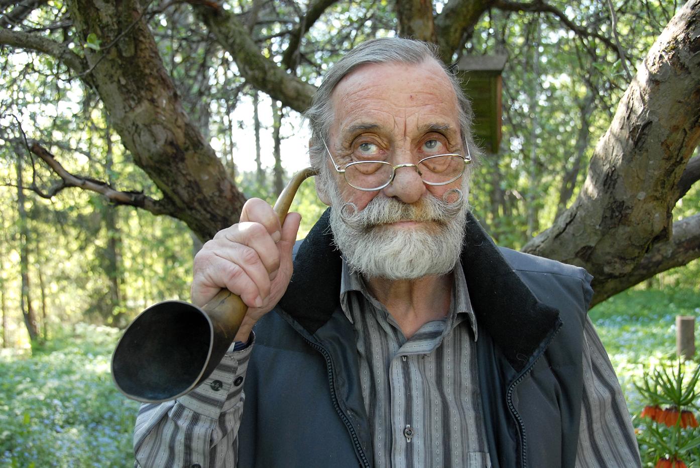 Sture Wärlinder lyssnar aktivt efter ljuden från förr, som han menar representerar en bortglömd del av vår kulturhistoria. FOTO: OLLE ANDERSTAM