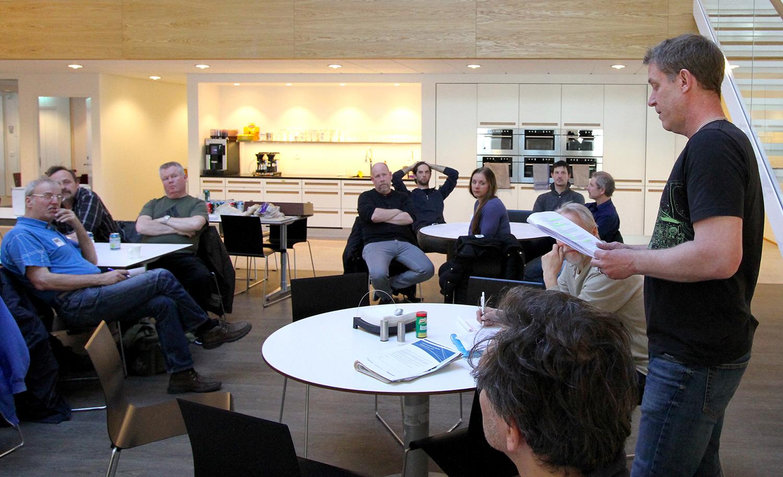 Ombudsmannen Peter Jönsson informerade om Avtal 2017. Foto: Leif Göbel
