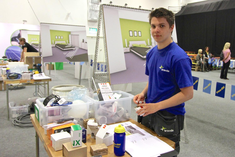 Filip Grundin Johansson fick hoppa in i elinstallationsklassen när en deltagare lämnade återbud. Foto: Leif Göbel.