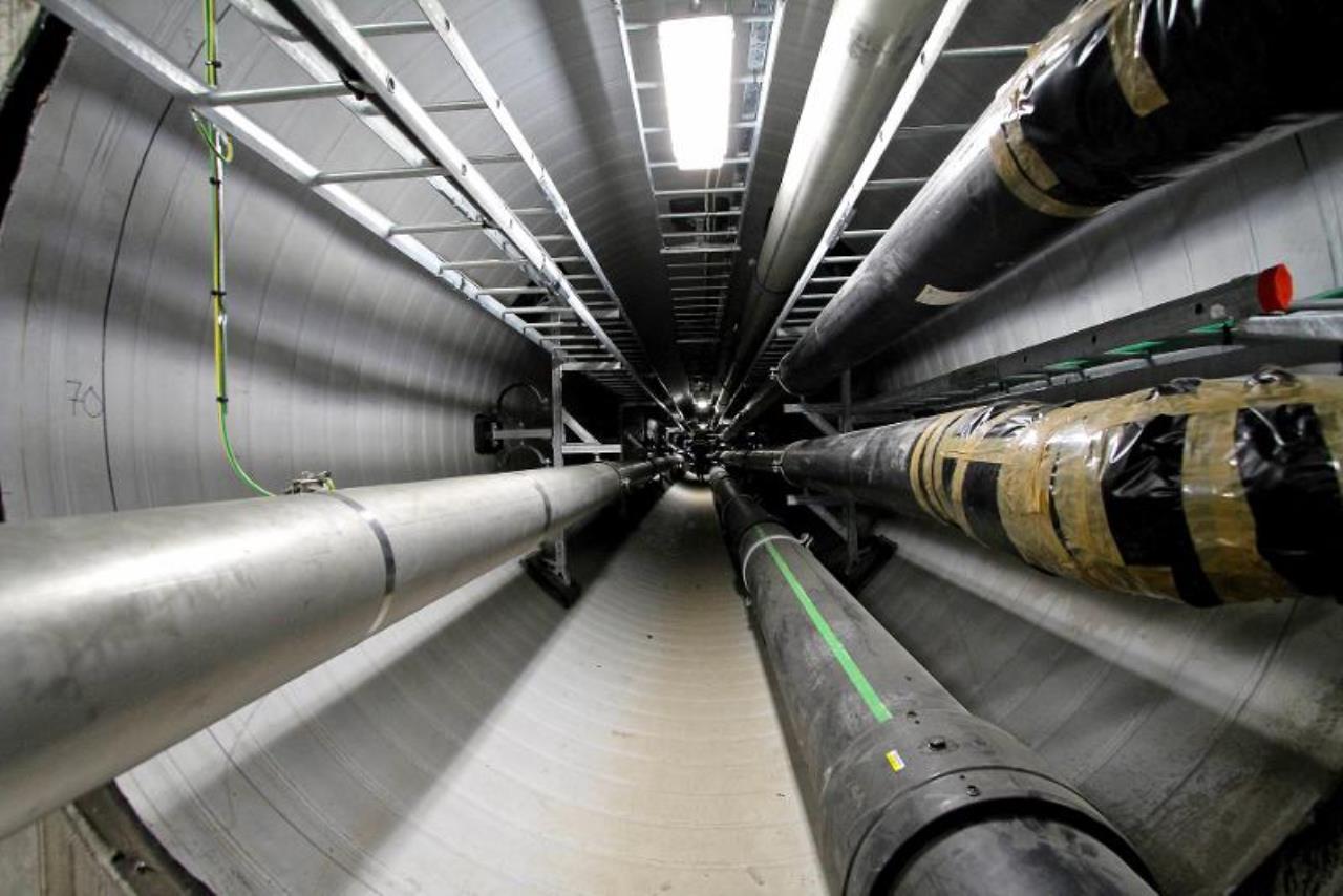 En tunnel med stora rör
