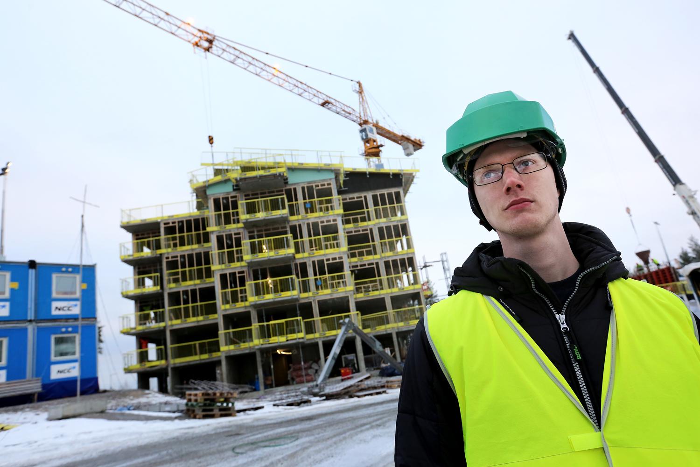 Sedan en tid tillbaka är David Aura tjänstledig och arbetar istället med att indormera elektrikerförbundets medlemmar i Gävleborg och Dalarna om ackordslistan. Foto: Tomas Nyberg