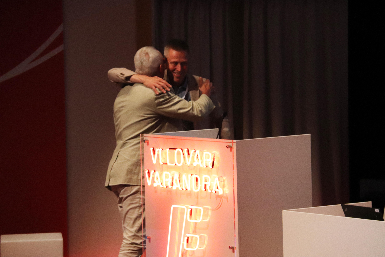 Ulf Carlsson kramar om Pontus Boström vid talarstolen