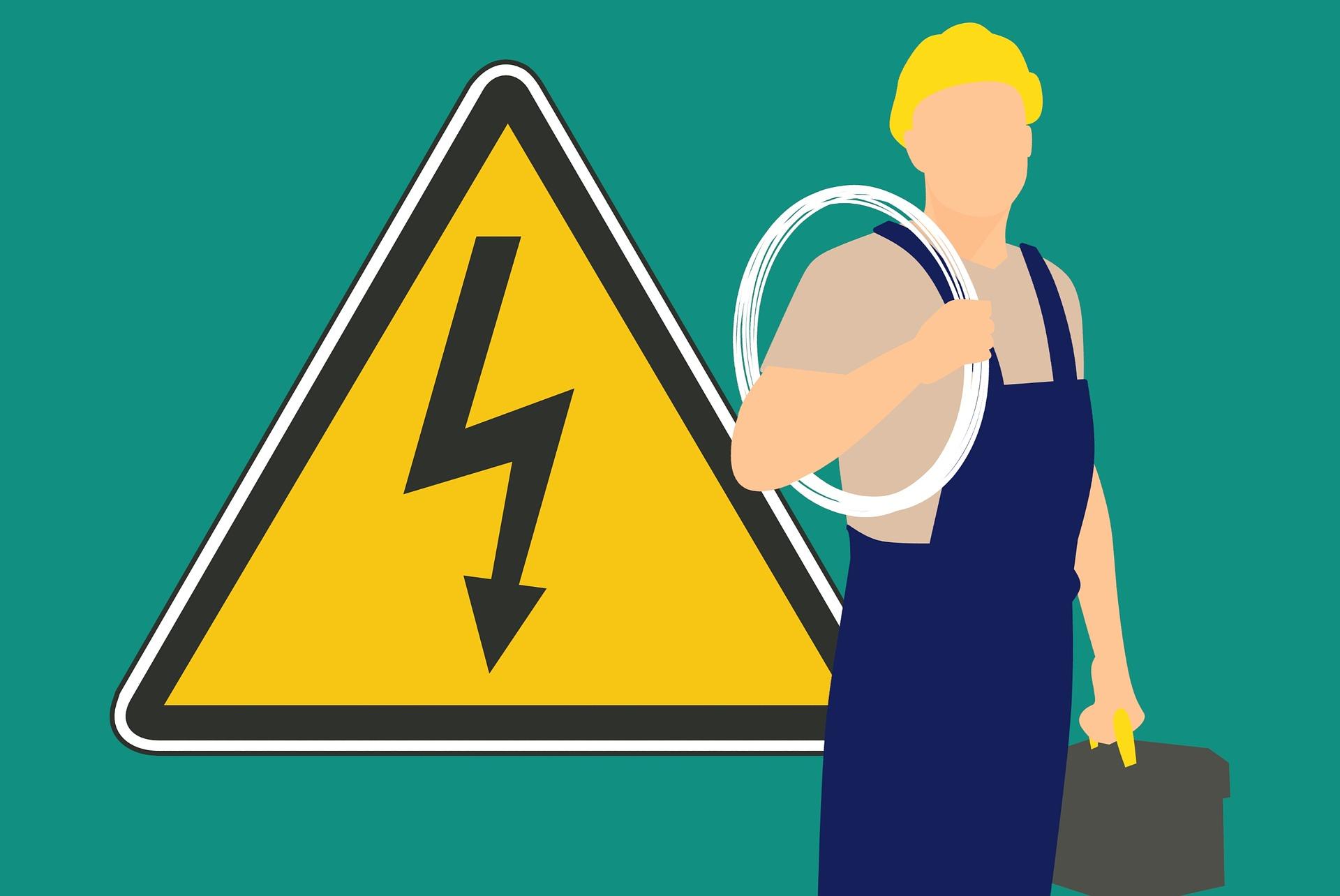 En tecknad elektriker framför en varningsskylt för elfara