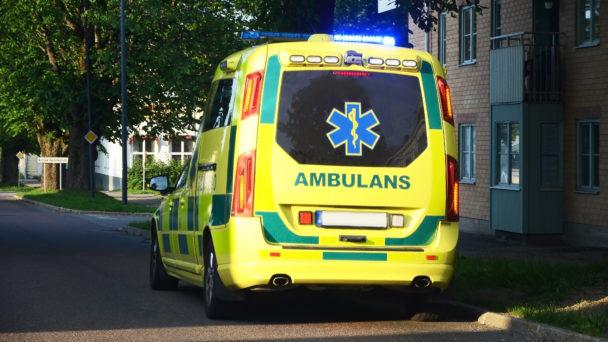 En ambulans bakifrån