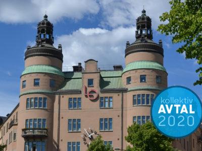 """LO-borgen i Stockholm, med en etikett över fotot där det står """"Kollektivavtal 2020"""""""