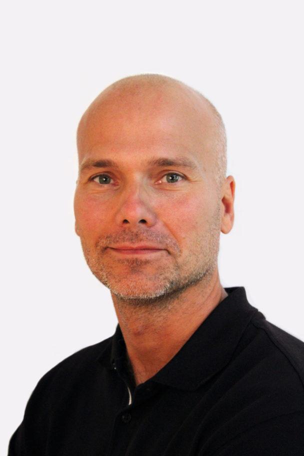 Porträttbild på Adam Hedbom
