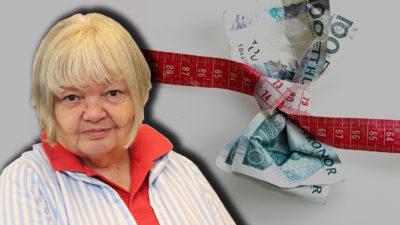 En bild på en hundrakronorssedel med ett måttband knutet kring sig, med ett foto på Anne-Marie Lindgren monterat över.