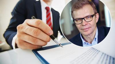 En bild på en person i kostym som håller en penna mot ett kontrakt, med ett foto på Ola Månsson monterat över bilden.