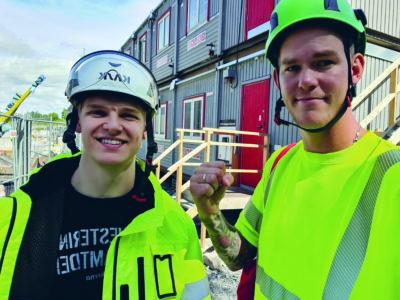 David Wikström och Claes Thim i reflexjackor och hjälm