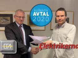 Tomas Torstensson och Petter Johansson, med SEFA:s och Elektrikernas loggor monterade över, tillsammans med den runda ikonen för Avtal 2020