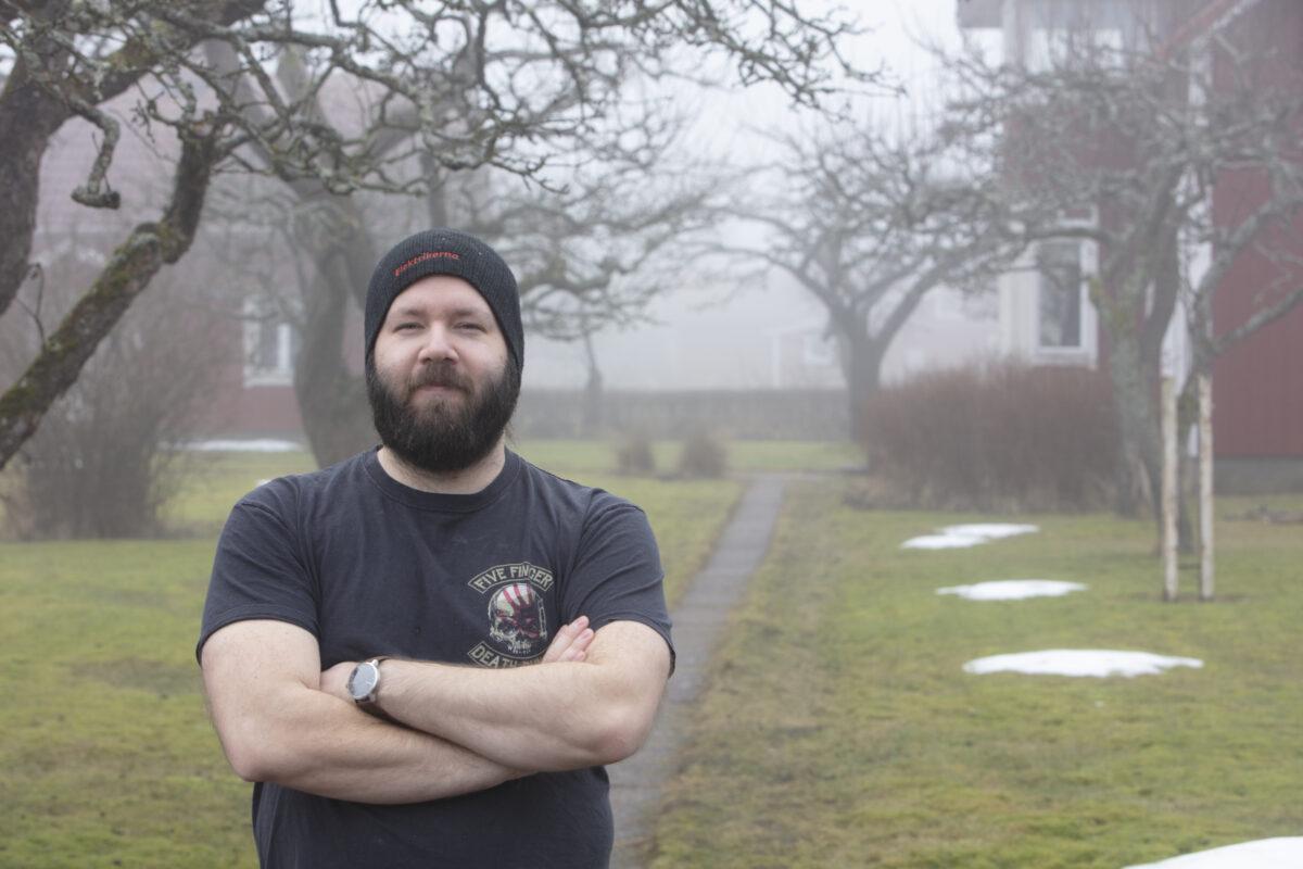 Fredric Lundahl i Elektrikerna-mössa utomhus