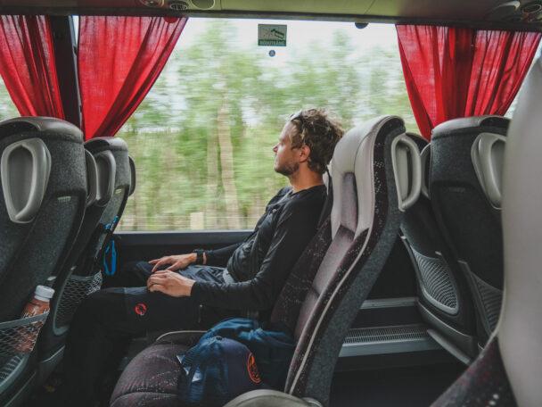 Anton Levein åker buss