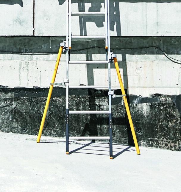 En stege med gula stödben