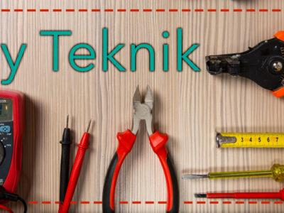 """Texten """"Ny teknik"""" monterat över en samling verktyg på ett bord"""