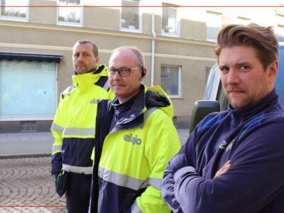 Tobias Iderfjell, Karl Kihlström och Stefan Malmborg står utomhus på en gata