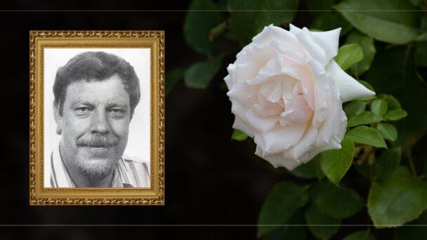 En bild på Arne Olofsson invid en bild på en vit ros.